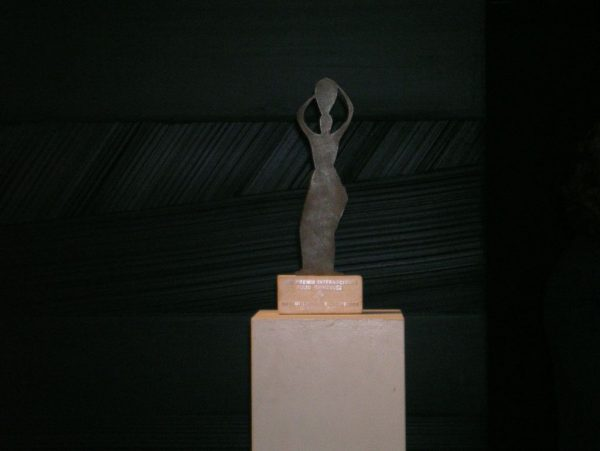 Le prix_2_la statuette+DSCN2873